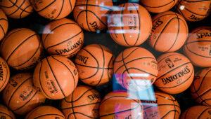 NBA play-in, playoffs i finały 2021. Typowanie najlepszej ligi koszykówki. Oferta bukmacherska i faworyci. Gdzie obstawiać?